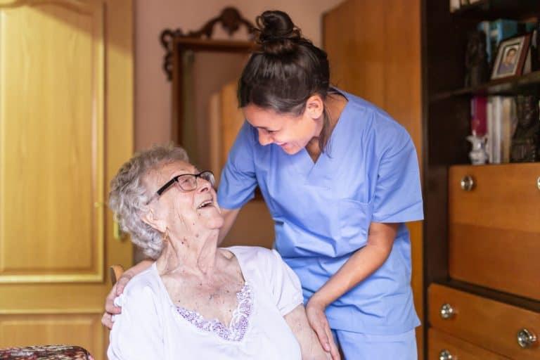 טיפול סיעודי בקשישים
