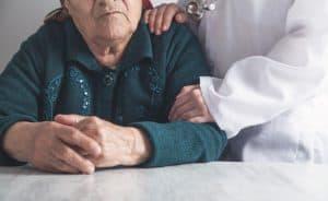 מטפלות לילה לקשישים