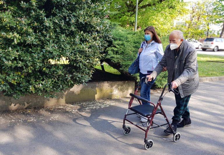 מטפלות זרות לקשישים